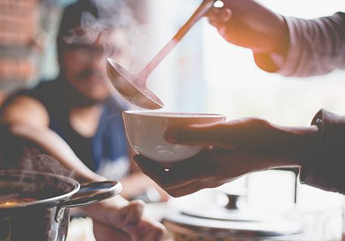 Queste Zuppe Cheto Vi Terranno Caldi Senza Il Consumo Di Carboidrati